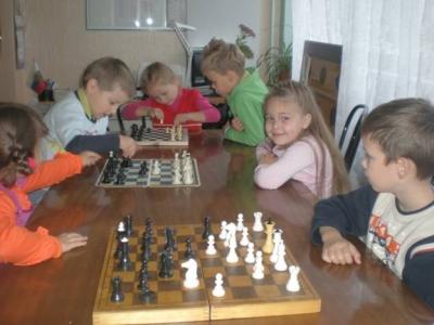 На занятия в шахматном клубе г.Волхова
